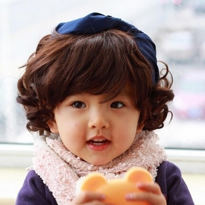 Cabello rizado de bebe